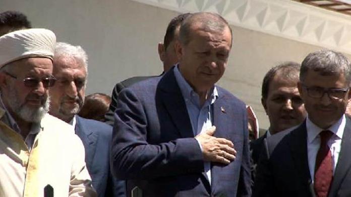 Cumhurbaşkanı Erdoğan restorasyonu tamamlanan Abdullah Ağa Cami'sini açtı