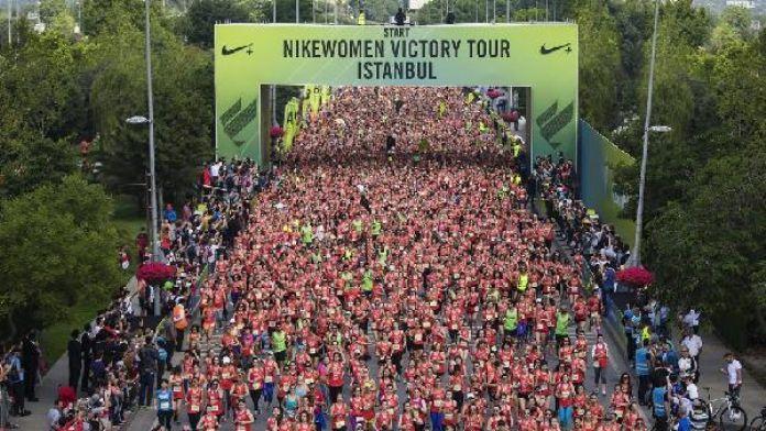 Binlerce kadın 'Nıkewomen vıctory tour' ile koştu