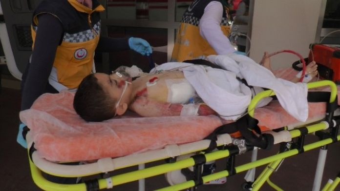 Otomobilin Çarptığı 5 Yaşındaki Çocuk Ağır Yaralandı
