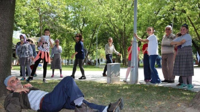 Bilgievi Öğrencilerine Fotoğraf Dersi Verildi