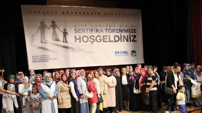 Aile Eğitimi Ve Çocuk Gelişimi Kurslarının Sertifika Töreni Düzenlendi