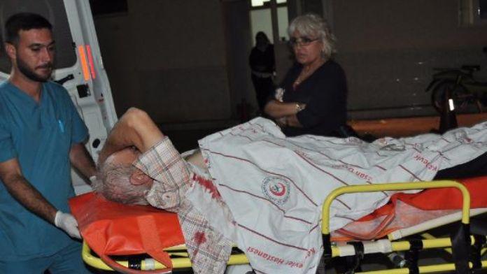 Kahvehanede çıkan bıçaklı kavgada ağır yaralandı