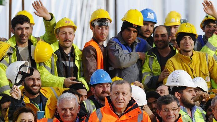 3. köprü çalışanlarına söz verilen ikramiyeleri dağıtıldı