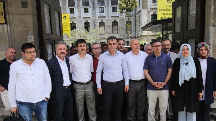 İstanbul Erkek Lisesi Müdürü Konar'a destek