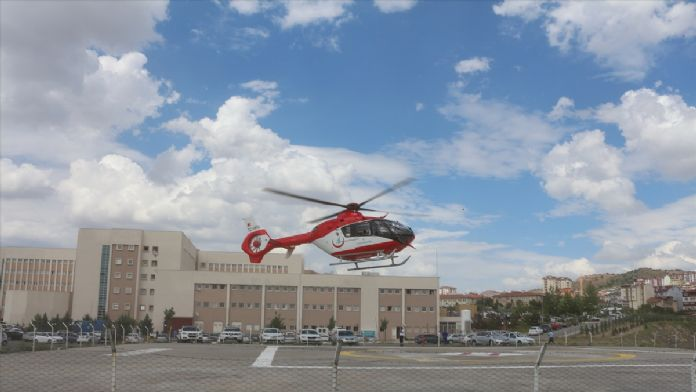 Kolu kopan gencin imdadına hava ambulansı yetişti