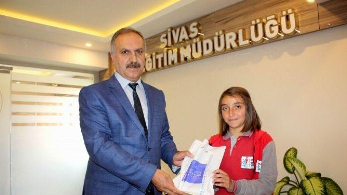 Başarılı Öğrencilerden, İl Milli Eğitim Müdürü Altınsoy'a Ziyaret