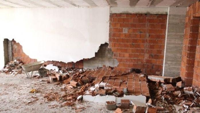 İnşaat duvarı çöktü: 1 ölü, 2 yaralı