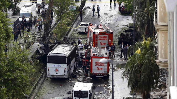 Beyazıt'ta Polise Hain Saldırı; Yapıldı