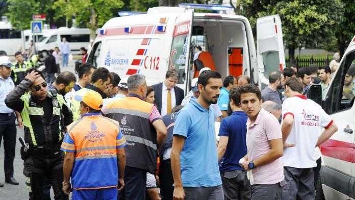 Ambulansa eskortluk yapan polis kaza yaptı