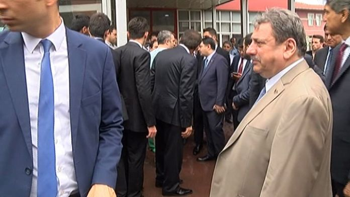 Vali Şahin ile Başsavcı hastanede yaralıları ziyaret etti