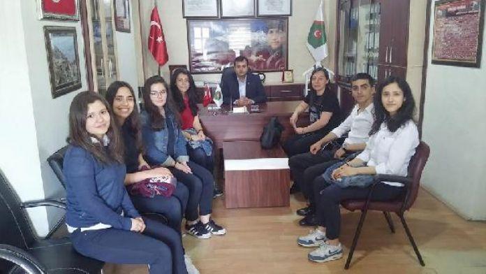 Okul harçlıklarını Şehit ve Gaziler Derneğine bağışladılar
