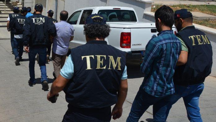 FETÖ operasyonunda 3 tutuklama