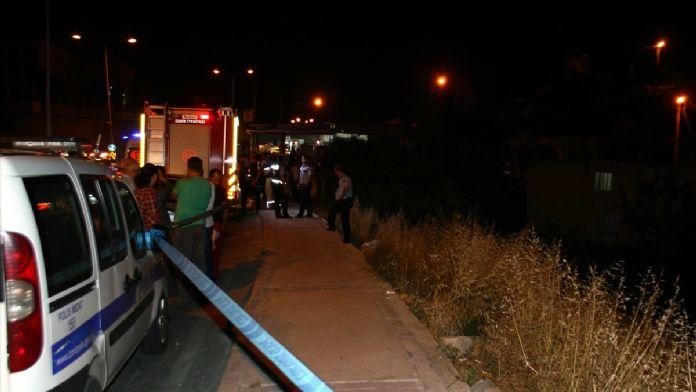 İzmir'de otomobil devrildi: 2 ölü, 2 yaralı