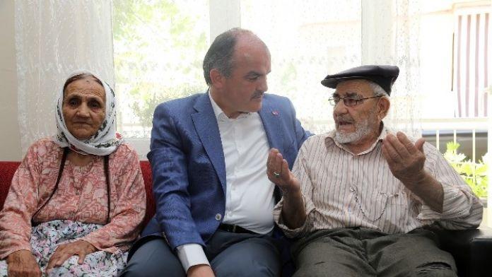 Pamukkale Belediyesi, Yaşlı Ve Engellilere Kişisel Bakım Hizmeti Başlattı
