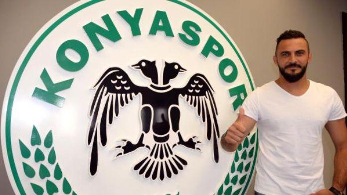 Atiker Konyaspor kaleci Kaya Tarakçı ile sözleşme yeniledi