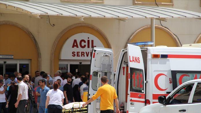 GÜNCELLEME 2 - Midyat'ta bombalı araçla terör saldırısı