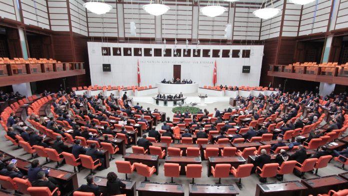 Meclis'te 'kadın' tartışması