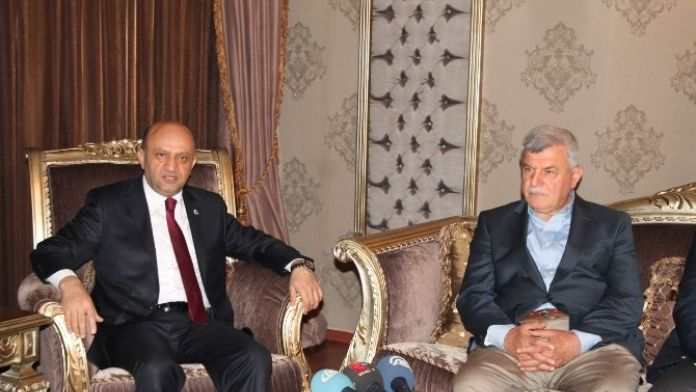 Milli Savunma Bakanı Işık, Kocaeli'de Ziyaretlerde Bulundu