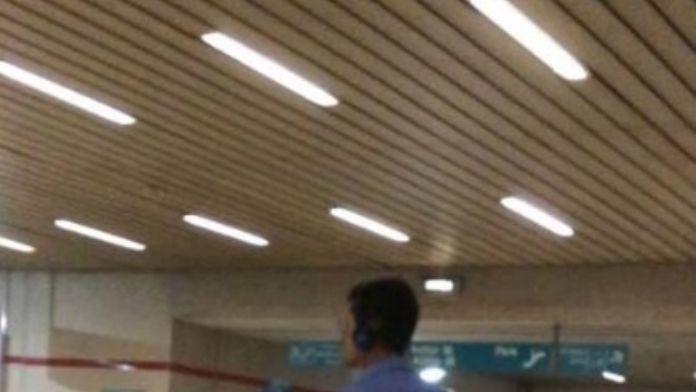 İzmir Metrosunda Herkesi Şaşırtan Görüntü