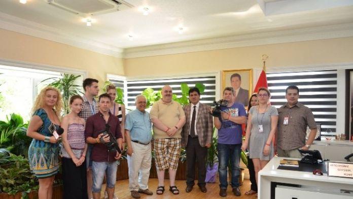 Romen Gazeteciler Başkan Gül'ü Ziyaret Etti