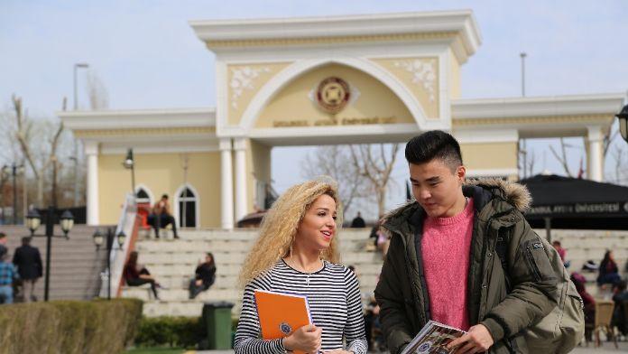 Türkiye'de Neredeyse Türkten Çok Yabancı Öğrnci Okuyor