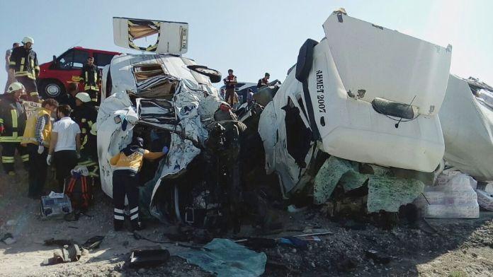 Konya'da korkunç kaza: 10 ölü !