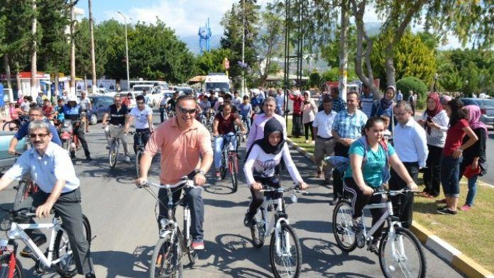 Bozyazı'da Öğrencilere Sağlıklı Yaşam İçin Bisiklet Dağıtıldı