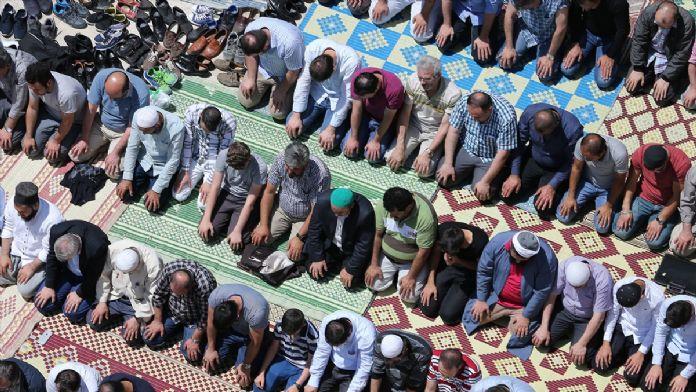 Ramazanın ilk cuma namazı