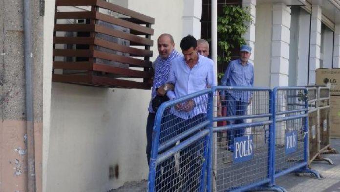 Bursa'da iki kadını sokak ortasında döverek gasp eden zanlı yakalandı
