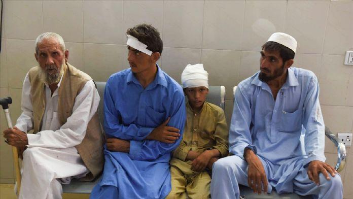 Afganistan'da camide bomba patladı: 4 ölü
