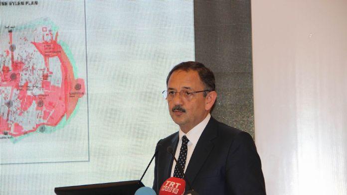 Bakan Özhaseki: 'Silahlanacak bir şey yok'