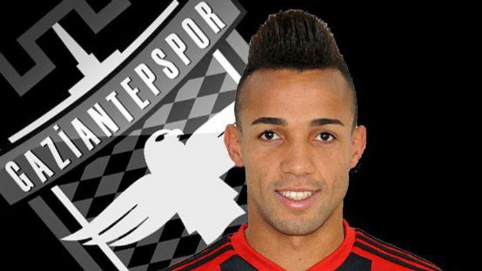 Marçal için Benfica'dan haber bekleniyor