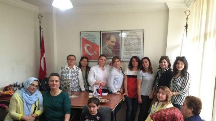 Türk Kadınlar Birliği'nden Örnek Davranış
