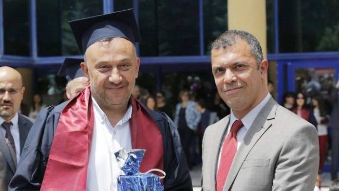 43 Yaşındaki Memur Kamu Yönetimi Bölümü'nü Türkiye Birincisi Olarak Bitirdi