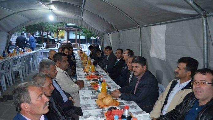 Gürün'de İftar Programı Düzenlendi