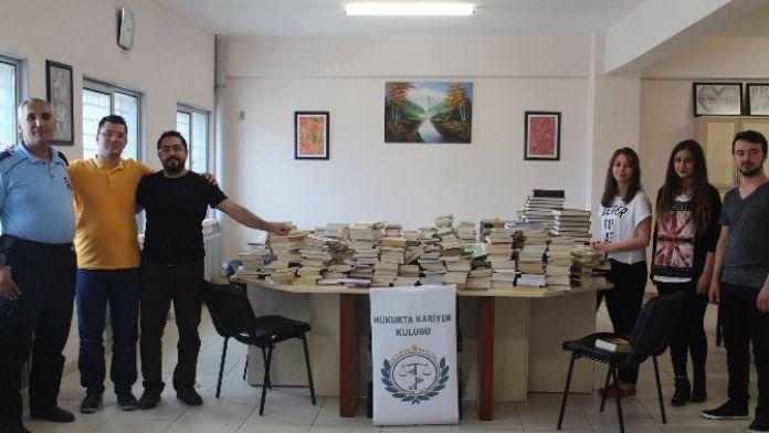 Öğrencilerden Cezaevine Kitap Bağışı