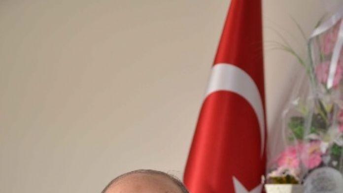 Bitlis Eren Üniversitesi İslami İlimler Fakültesi Dekanı Prof. Dr. İsa Yüceer: