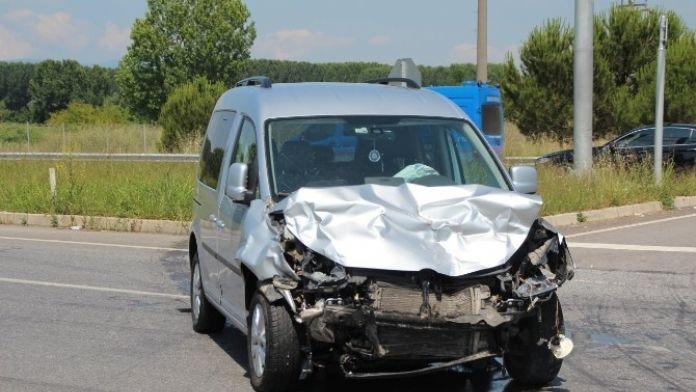 TEM Gişelerde Kaza: 6 Yaralı
