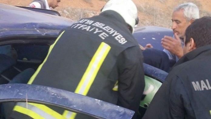 Malatya'da Otomobil Şarampole Yuvarlandı: 5 Yaralı