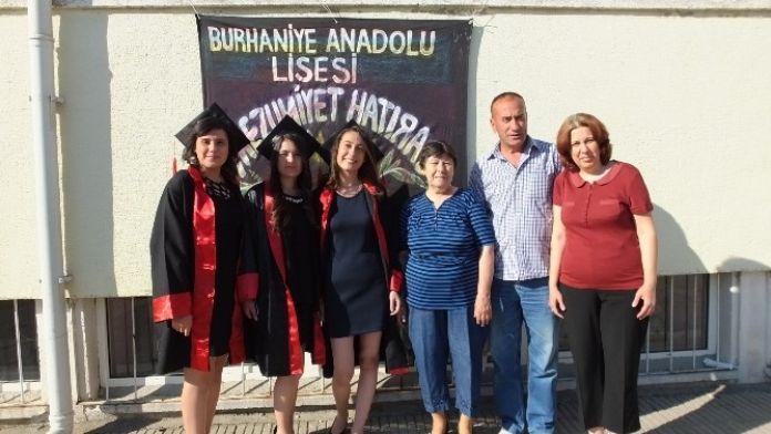 Burhaniye'de Öğrencilerin Mezuniyet Hatırası