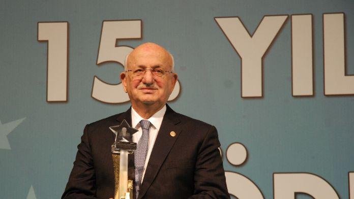 TBMM Başkanı Kahraman'a 'Siyaset Onur Ödülü'