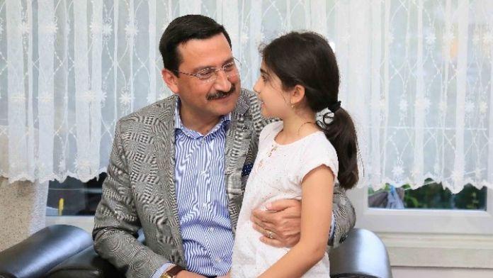 Başkan AK'tan Yılmaz Ailesine Sürpriz İftar Ziyareti