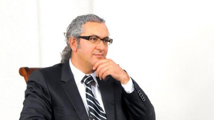 Op. Dr. 'Saçları Çok Sıkı Bağlamak Saç Kayıplarına Neden Olabiliyor'