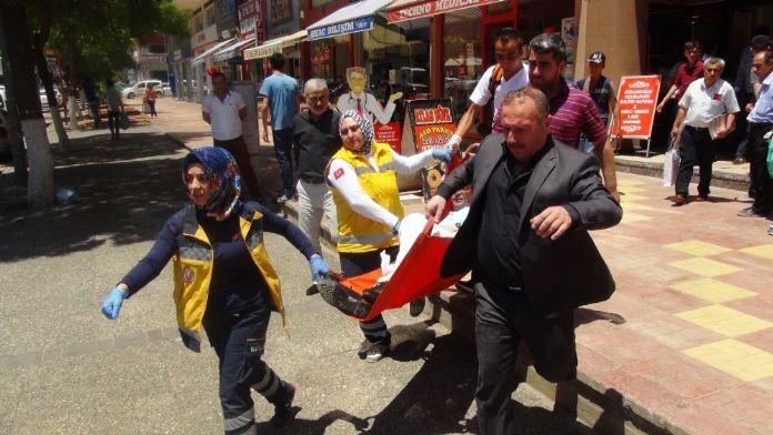 Gazeteciye bıçaklı saldırı