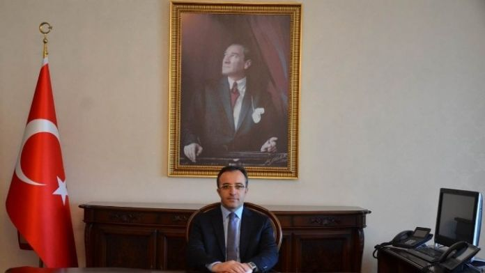 Kilis Valisi Çataklı:'Şehit ve gazilerimizi rahmet anıyorum'