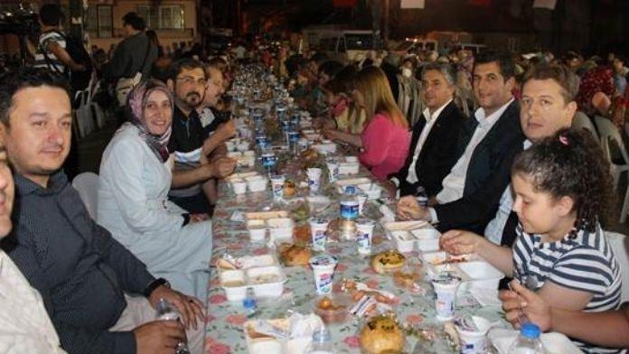İl Başkanı Filiz, Mahalle İftar Programlarına Katılıyor