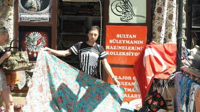 Marmaris'ten Asker Ve Polise Seccade Ve Yastık Desteği