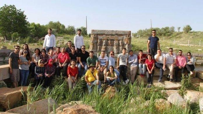 Hatay'tan Beyşehir'e Gelen Üniversite Öğrencileri Endemik Bitkileri İnceledi