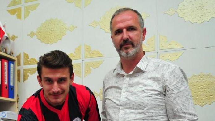Orhangazispor, Furkan Çakırca ile 1 yıllık sözleşme imzaladı