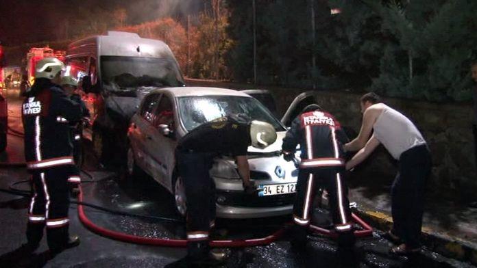 Eyüp'te 6 araç kundaklandı
